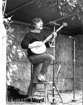 Stan Gottschalk; first performer 1974 Maldon Folk Festival. Photo: Russell Boyd.